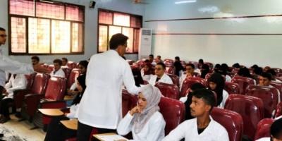 برعاية عميد كلية طب الفم والأسنان مبادرة بصمة طبيب توزع أستمارات لحصر الطلاب الموهوبين
