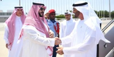 ولي عهد أبوظبي يصل السعودية قبيل بدء الحوار بين المجلس الانتقالي الجنوبي والشرعية