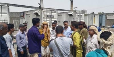 خلال زيارته لمؤسسة الكهرباء رئيس انتقالي لحج يطلع على صعوبات سير عمل المؤسسة