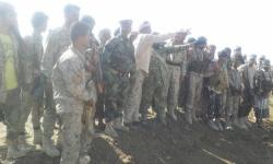 قائد اللواء الثاني عشر صاعقة يتفقد مواقع القوات الجنوبية في شقرة