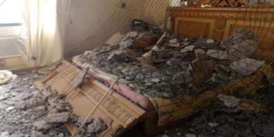 انهيار سقف شقة  في عمارة فوق ساكنيها في المعلا