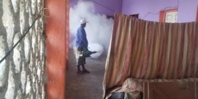 تواصل حملة الرش الضبابي لمكافحة حمى الضنك بحوطة لحج