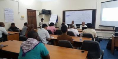 مكتب الصحة بالمهرة يدشن دورة تدريبية حول كيفية التعامل مع فيروس كورونا