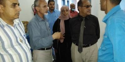 مدير الصحة ورئيس لجنة الصحة بالانتقالي يتفقدان تجهيزات المحجر الصحي بعدن