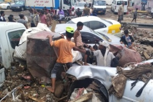 العاصمة عدن : أمطار غزيرة تتسبب بخسائر بشرية ودمار في الممتلكات العامة والخاصة