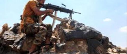 تواصل المعارك بين مليشيات الحوثي والمقاومة الجنوبية بالبيضاء