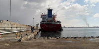 وصول شحنة وقود إلى ميناء الزيت بالبريقة