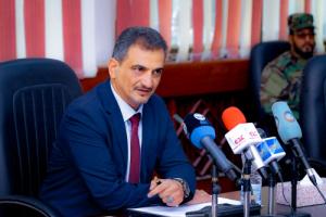 عاجل : محافظ العاصمة عدن يمهل حكومة تصريف الأعمال (24) ساعة لصرف مرتبات العسكريين