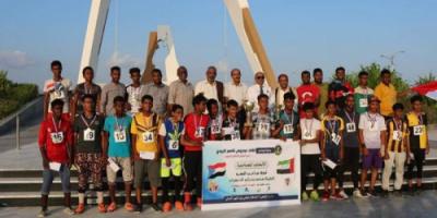 """انتقالي حضرموت يكرم الفائزين بسباق بطولة """"بن زايد"""" للدراجات"""