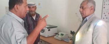 مدير عام البريقة يطلع على مستوى الخدمات الصحية بمجمع الفارسي
