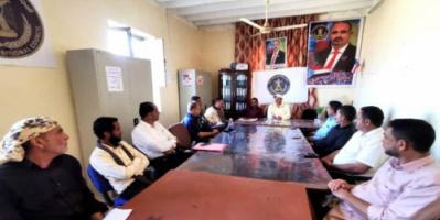 إنتقالي الحصين يعقد إجتماعا موسعا لإعلامي اللجان المحلية بالمديرية