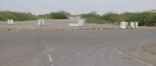 مليشيات الحوثي تفتح نيران أسلحتها على قرى ومزارع الفازة بصورة كثيفة