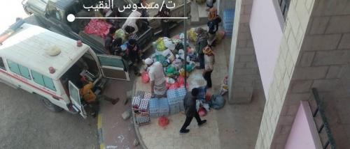 ابناء الثبيب يقدمون قافلة غذائية لدعم المقاتلين في جبهات الضالع
