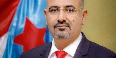 الرئيس الزُبيدي يعزي بوفاة مدير عام تربية الشعيب أ. محمد العيسائي
