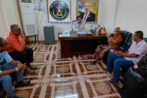 رئيس انتقالي لحج يناقش آلية تطوير المركز الإعلامي بانتقالي المحافظة