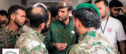 قائد حزام عدن يتفقد سير العمل في قطاعي الشيخ عثمان ودار سعد